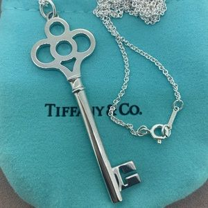 Tiffany & Co Crown 🔑 Key Pendant & Chain NWOT